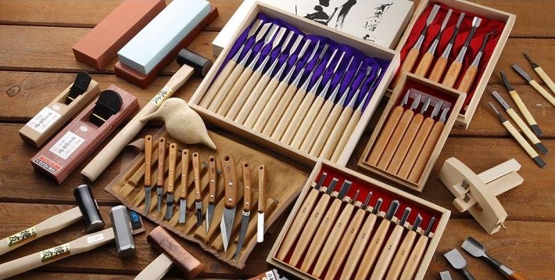 Обзор инструментов для резьбы по дереву: виды стамесок для резьбы, электроинструменты