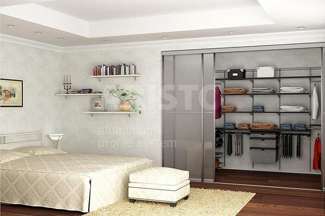 Гардеробные системы и шкафы-купе с элементами из стекла